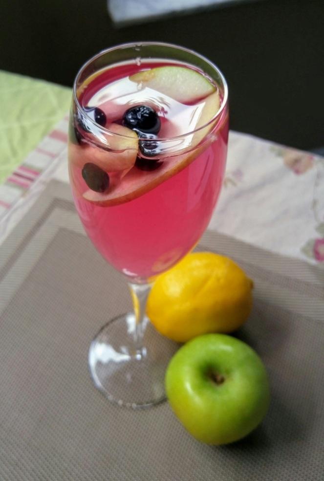 Lemon, Apple & Blueberry Fruit Water.jpg